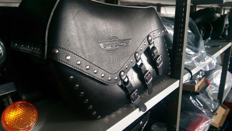 HONDA VALKYRIE PLAIN BLACK SCHWARZ Motorrad Schlüsselring Leder
